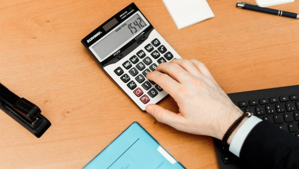 calculator-hand
